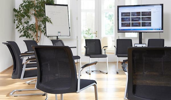 Bestuhlungsart: Stuhlkreis in einem Tagungshotel oder Seminarhotel (Bestuhlungsart)